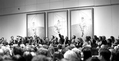 《弗洛伊德肖像画习作》(三联画)是弗朗西斯·培根1969年作品,描绘他的朋友同是画家的卢西安·弗洛伊德。当地时间11月12日,该件作品在纽约佳士得创下了世界最高拍卖纪录。图/IC