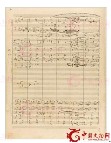 图为俄罗斯音乐名家拉赫玛尼诺夫经典乐谱手稿藏品《E小调第二交响曲OP.27》