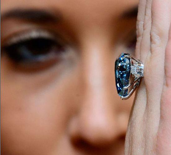 全球最大蓝钻将在瑞士拍卖最高价5亿人民币