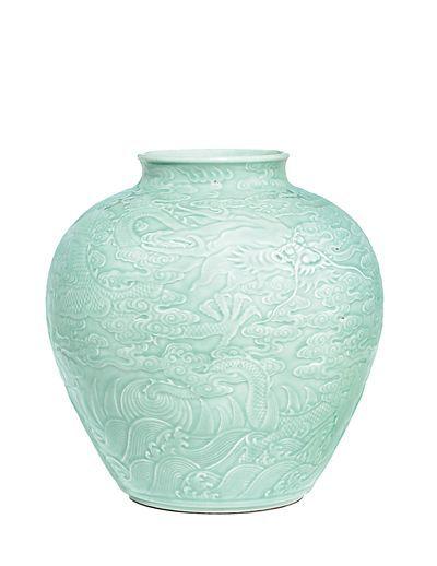 圆明园流失文物清代龙纹罐拍出7400万元