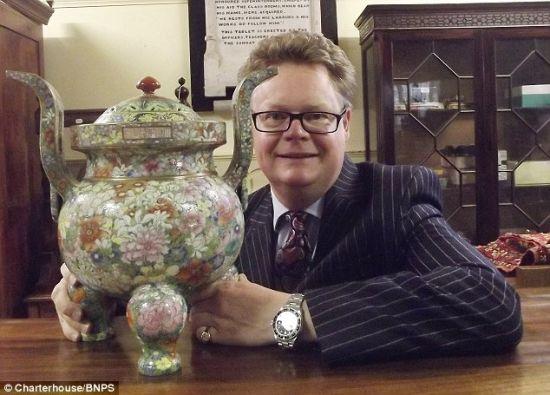 清乾隆年製瓷器在英國拍賣