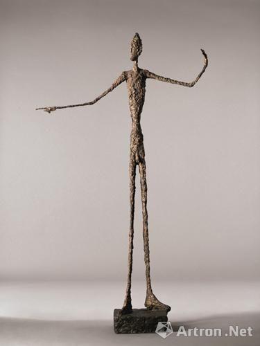 佳士得欲拍史上最贵雕塑《指示者》:估价高达8亿