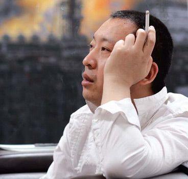 青年画家张小涛。