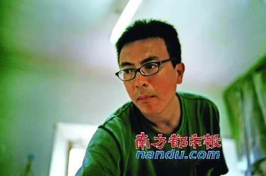 小东报_画家刘小东:与社会一起纠结_藏界人物_新浪收藏_新浪网