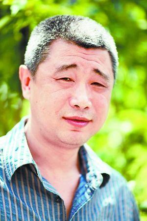 董唯与他的iPad绘画_藏界人物小学生观看爱国电影教案v绘画图片