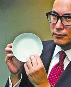 2012年拍出1.8亿港币的北宋汝窑天青釉葵花洗