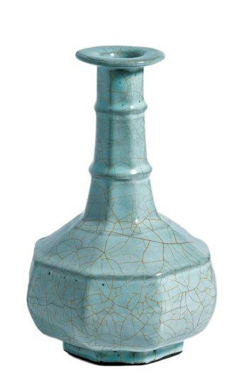日本珍藏南宋官窑青釉八方瓶