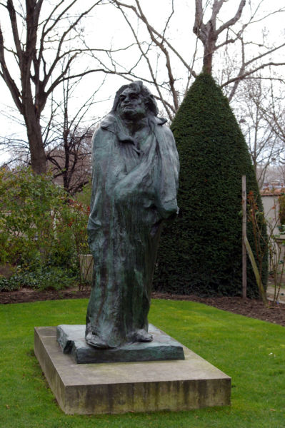 巴尔扎克的青铜雕像