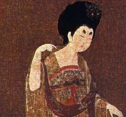 古代女子服饰装扮-女人之爱妆饰,自古而然-唐代女子服饰钟爱半露胸式裙装图片