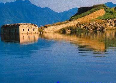 万里长城经过几个省-国唯一一段水下长城露出水面高清图片