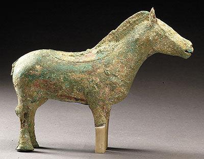 陕西甘泉出土商青铜马