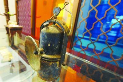 """市民收藏的""""石灯""""。 刘浏 摄"""