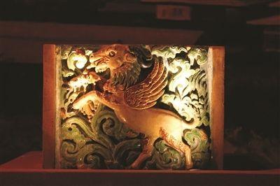 羊飾琉璃構件。