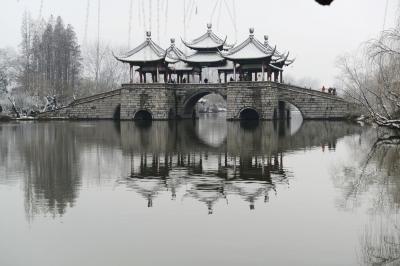 张大千画瘦西湖五亭桥竟无亭