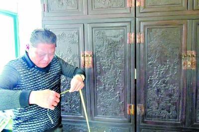 清代一套红木百子柜现身:重达数百公斤