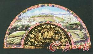 """明清时期,广州对外交流很多,折扇里是一幅清代长洲岛全景水粉画,是当时""""老外""""喜爱的工艺品。"""