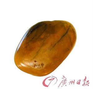 黄龙玉籽料,价值5万元