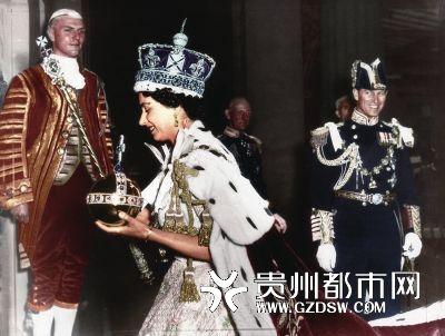 1953年38,伊丽莎白二世加冕成为英国第 任君主。