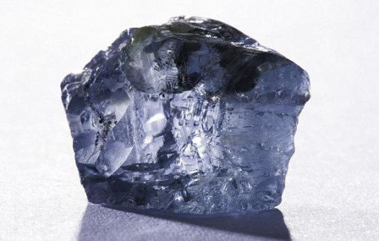 南非发现122克拉蓝钻石:价值63亿人民币
