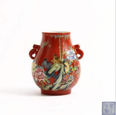 瓷器藏品經典之作雍正款琺瑯彩珊瑚紅地花鳥象耳尊