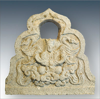 元代的景教四翼天使墓碑石
