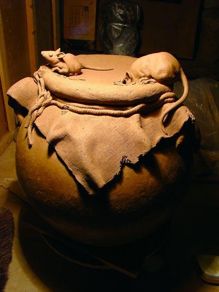 陶藝作品-老鼠偷油