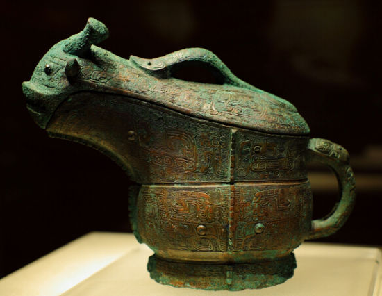 殷墟青铜器铭文普遍出现