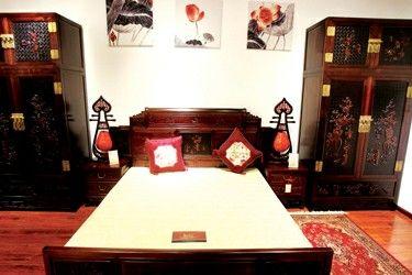 红木家具难选更难养   红木家具作为高端家具,既胜在复古的款式