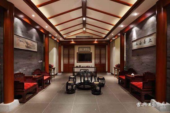 红木家具展厅布局的对称法则和门窗艺术