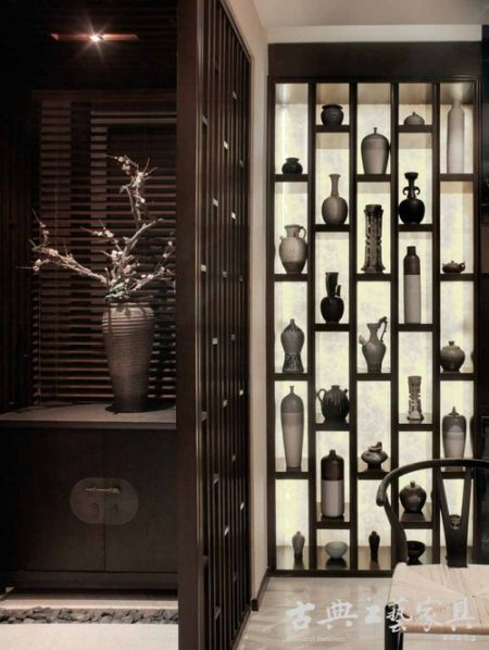 中式的空靈與原木的淡泊氣息瀰漫於室