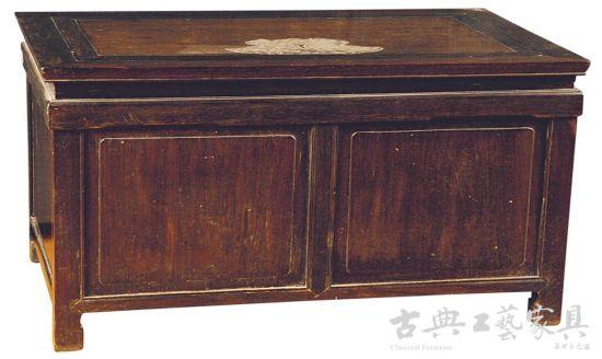 红木钱柜箱 (图片提供:南京正大)
