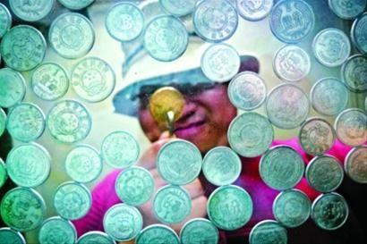 一些罕见老分币的价格又被抬高肖允 现场图片