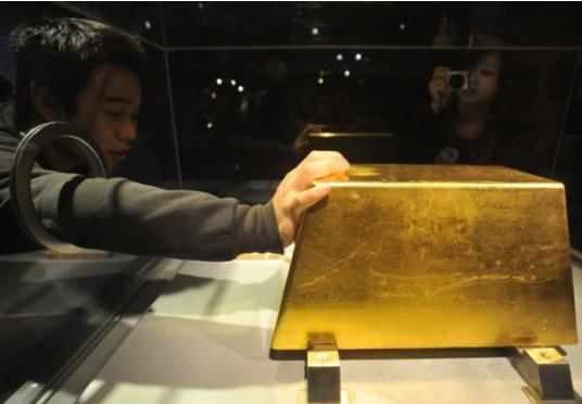 世界上最大的金砖,重220千克(价格约780万美元)。台北黄金博物馆。