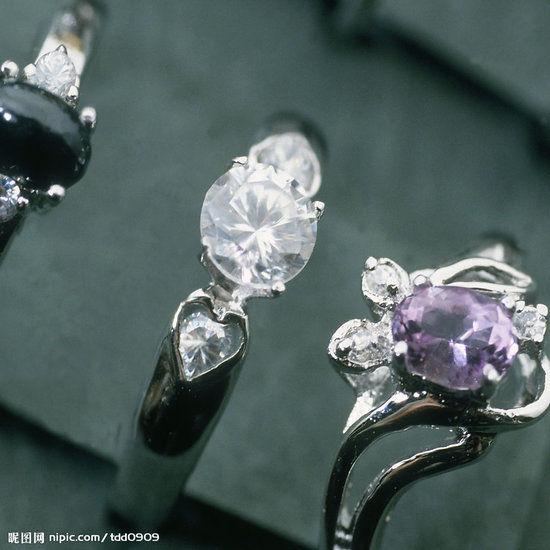 珠宝价格存在利差。(资料图片)