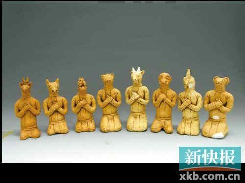 ■广州首次出土的鼠、牛、龙、马、羊、猴、鸡、狗8件生肖俑。