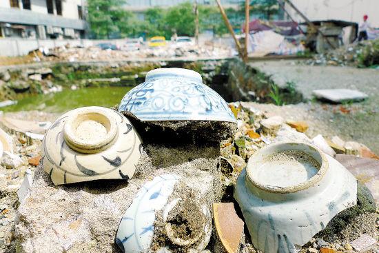 长堤大马路挖掘出的晚清时期精美陶瓷器 羊城晚报记者 郑迅 摄