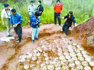 巫山縣南北朝古墓現場。