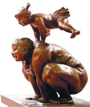 """""""胖女""""系列雕塑作品之一"""