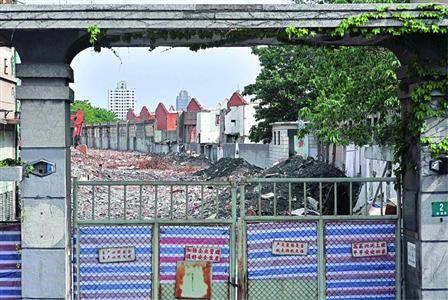 腾越路2号英商班达蛋行旧址已被拆成废墟  /晨报记者 陈征
