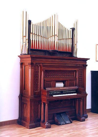 西洋古董钢琴