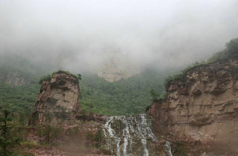 灵石红崖大峡谷旅游风景区
