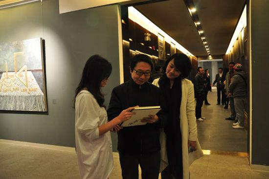 展览现场 中央美术学院人文学院院长尹吉男