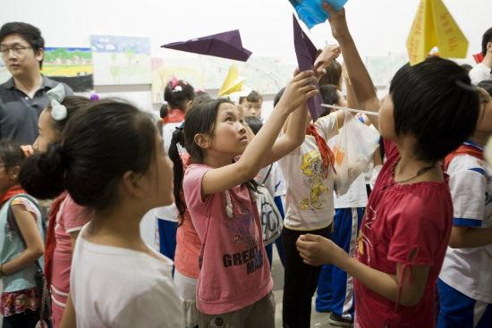 百子湾路1号_《流动儿童艺术作品展》展示三年成果_展览信息_新浪收藏_新浪网