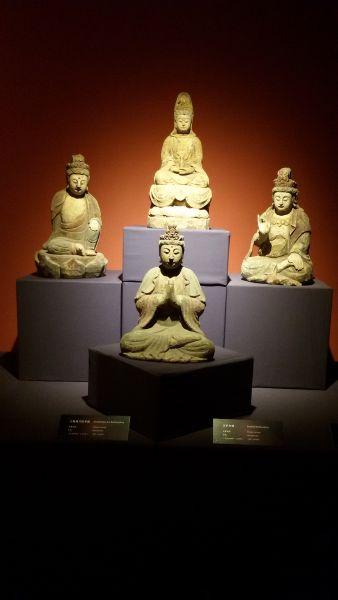 宋代木雕佛像展亮相京城
