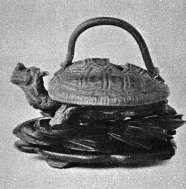 三足龜形紫砂器